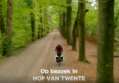 Blogger en vlogger Mirre op Reis in Hof van Twente!