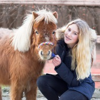Ponyrijden op de Shetlandboerderij