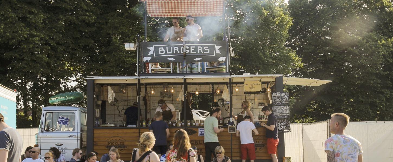 Thuis eten is voor dummy's: de leukste Twentse food (truck) festivals!