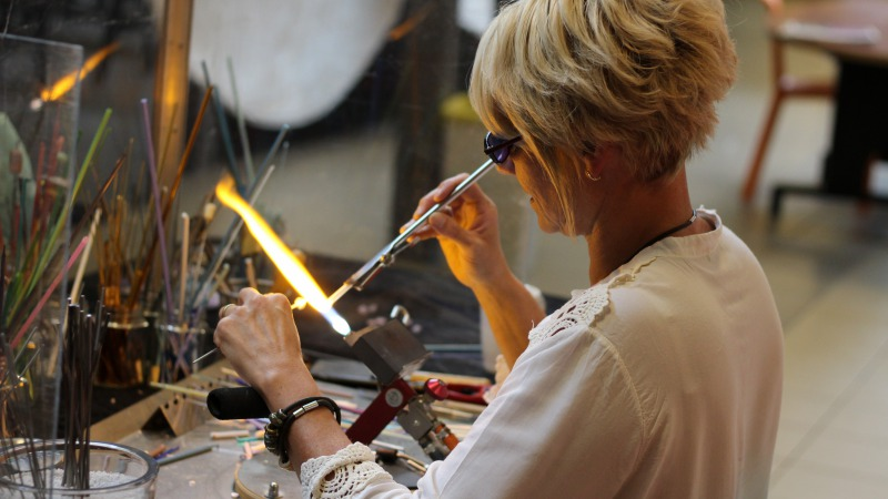 Workshop glaskralen branden met glas uit Murano