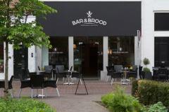 Bar en Brood