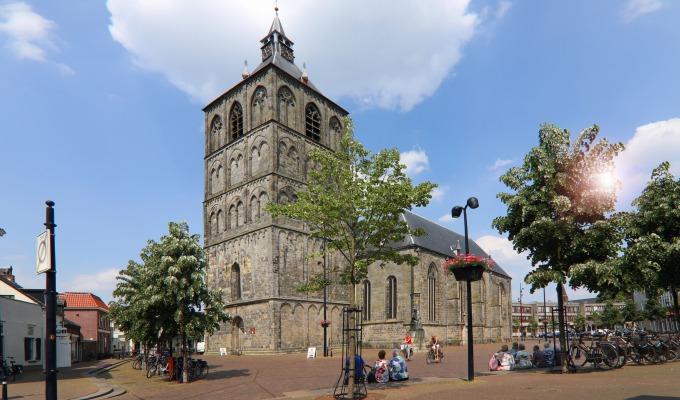 De toren van de Plechelmus beklimmen heeft iets 'mystieks' voor jong en oud