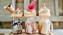 Shakes & Cakes