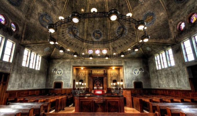 De mooiste Synagoge van Europa staat in Enschede. Een imposant gebouw