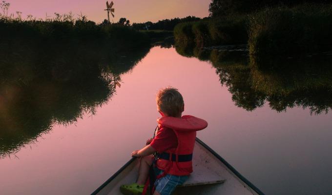 Heerlijk varen in de prachtige natuur van de Weerribben-Wieden