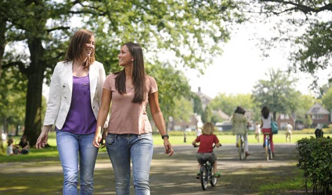 Inspirerende groene wandelroutes in Enschede om heerlijk te verdwalen