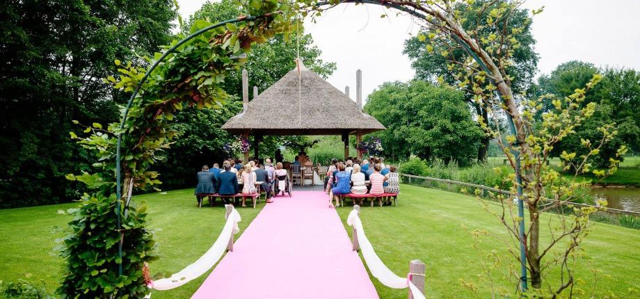 Twente Trouwlocatie En Huwelijksreisbestemming In Een