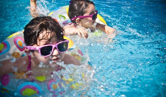 Bungalowpark of vakantiepark met zwembad in Twente: genoeg te kiezen hier
