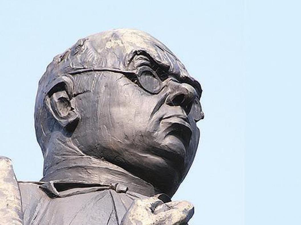 6. Dr. Schaepman monument