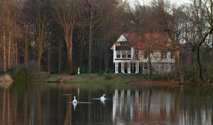 Het Lonnekermeer: landhuis, boswachterswoning en vele mooie doorkijkjes