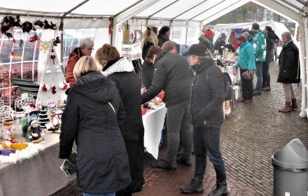 Wintermarkt rond Windkorenmolen De Leeuw
