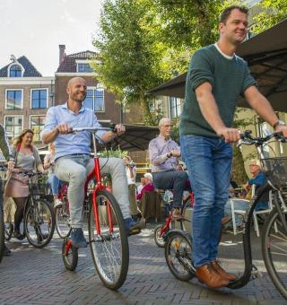 Historische fiets en Step