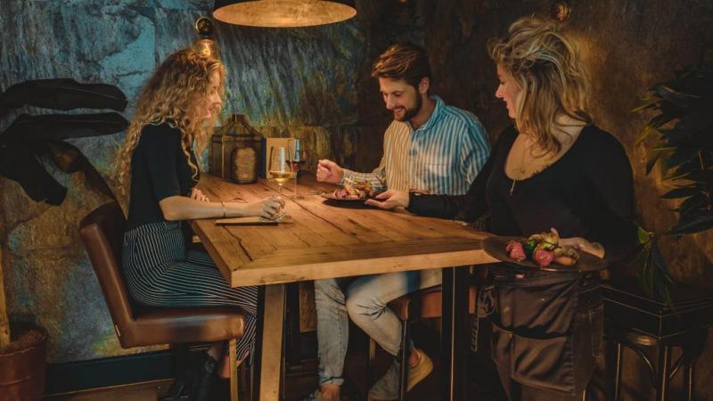 ZUS. Bar-Kitchen