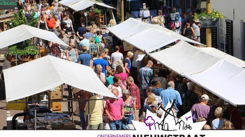 Flohmarkt in der Nieuwstraat