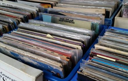 Platen en boekenmarkt