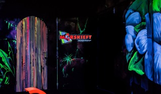 Blacklight midgetgolf Morskieft