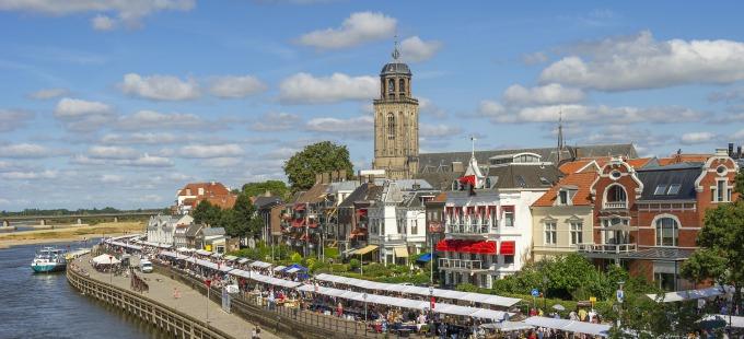 Deventer Boekenmarkt - IJsselkade