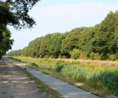 Natuurwandeling langs kanaal