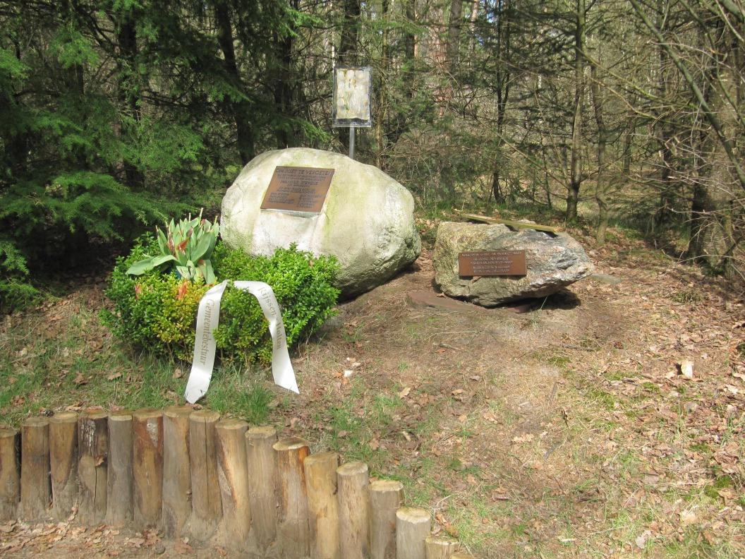 Marinus Stevens Monument