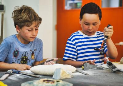 Kom naar het Kinderatelier bij Kaliber Kunstenschool in Oldenzaal!