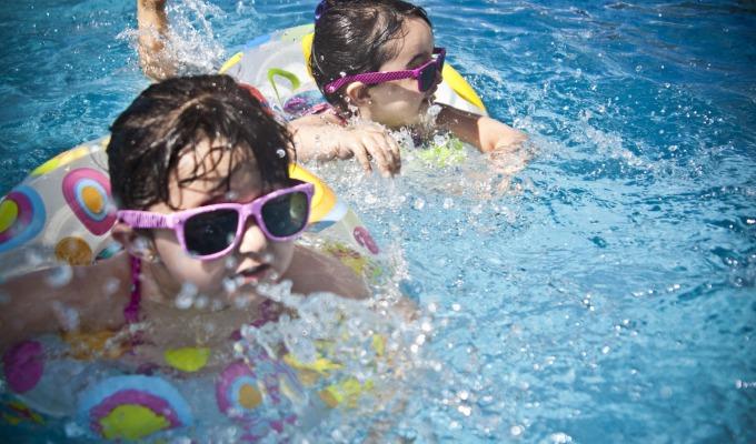 De leukste zwembaden van Twenterand. Van binnenbad tot recreatieplas