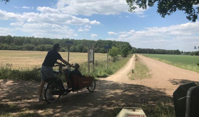 Coronaproof op pad met een bakfiets van  Actief Twente