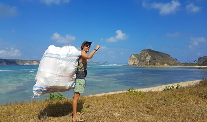 Tijmen is overal ter wereld trashpacker en motiveert mensen om op te ruimen.
