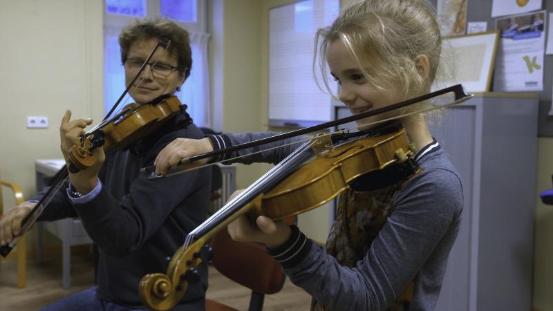 Vriendenweek bij Kaliber: volg een gratis les viool!