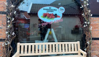 Pop-up store Manderveense Aardbei