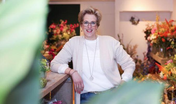 'Waar kan ik verder?',  vraagt Anja Japink van Flowerpoint zich geëmotioneerd af.