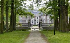 Haus Almelo mit Gravenallee und gräflichem Wald
