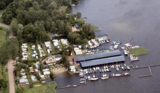 Jachthaven-Camping-Botenverhuur Aan `t Wiede