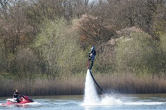 Flyboarden of Hoverboarden?