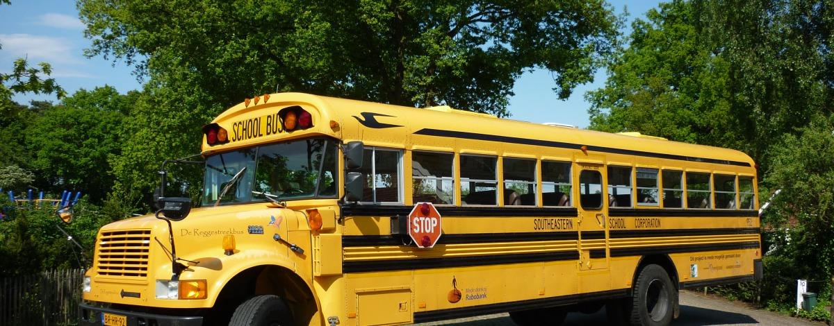 Amerikaanse schoolbus huren