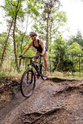 Surivaltraining en mountainbiken