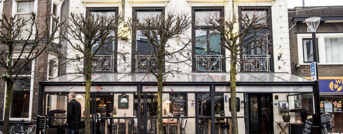 Irish Pub & Restaurant The Shamrock