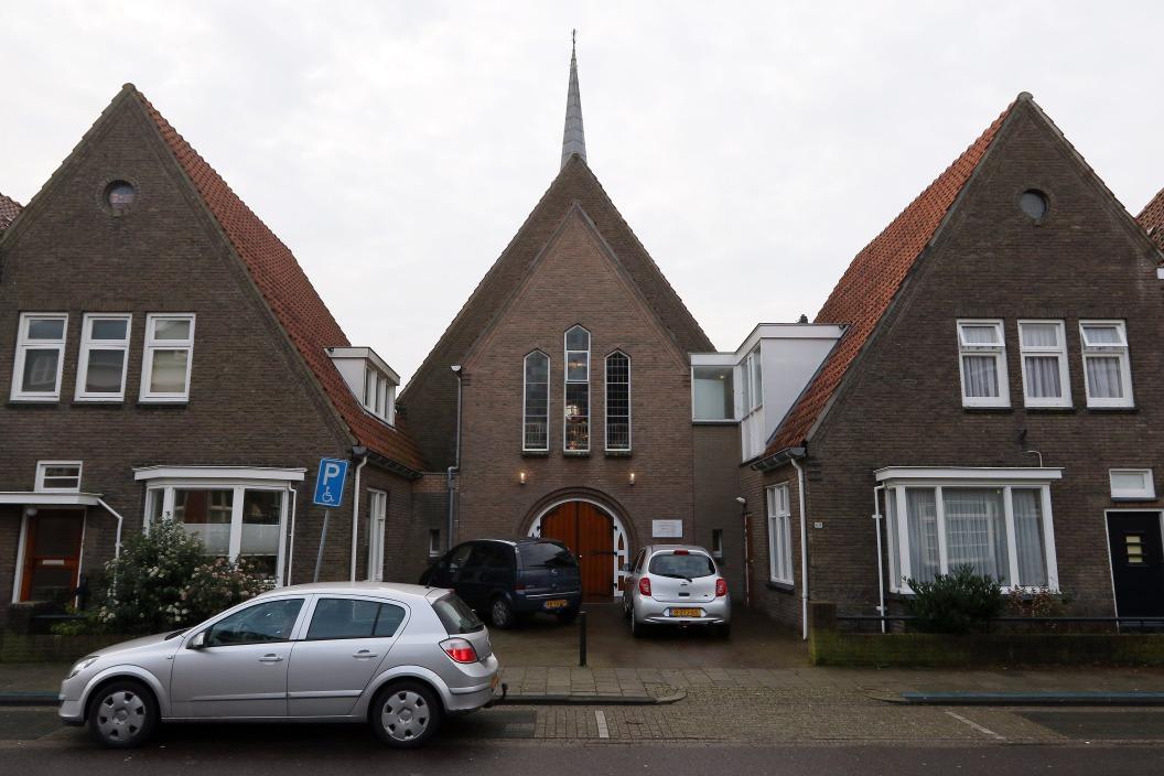 Eben-Haëzer Kerk & Woonhuizen