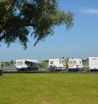 Camperplaatsen en Passantenhaven 'Loswal Wijhe'
