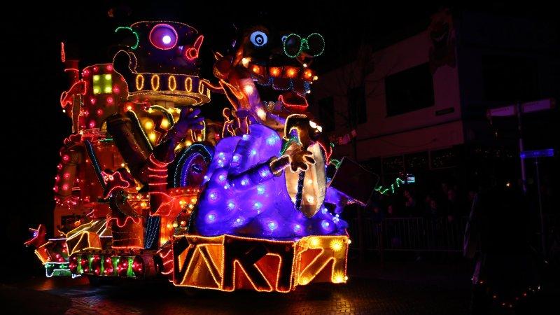Verlichte carnavalsoptocht Twekkelerveld