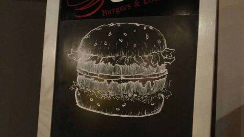 Chef Burgers & Lounge