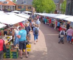 Zomermarkt & boekenmarkt